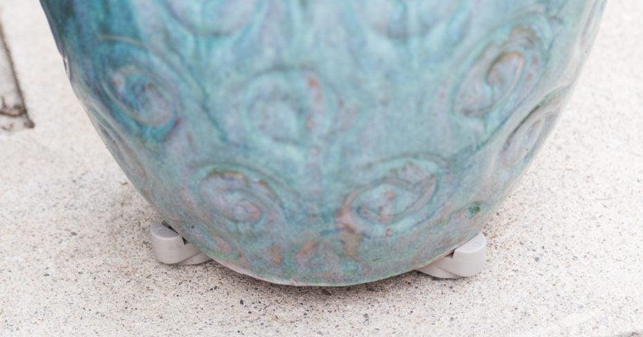invisible pot toes pot feet blue planter